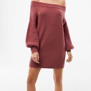 Express balloon sleeve sweater dress .